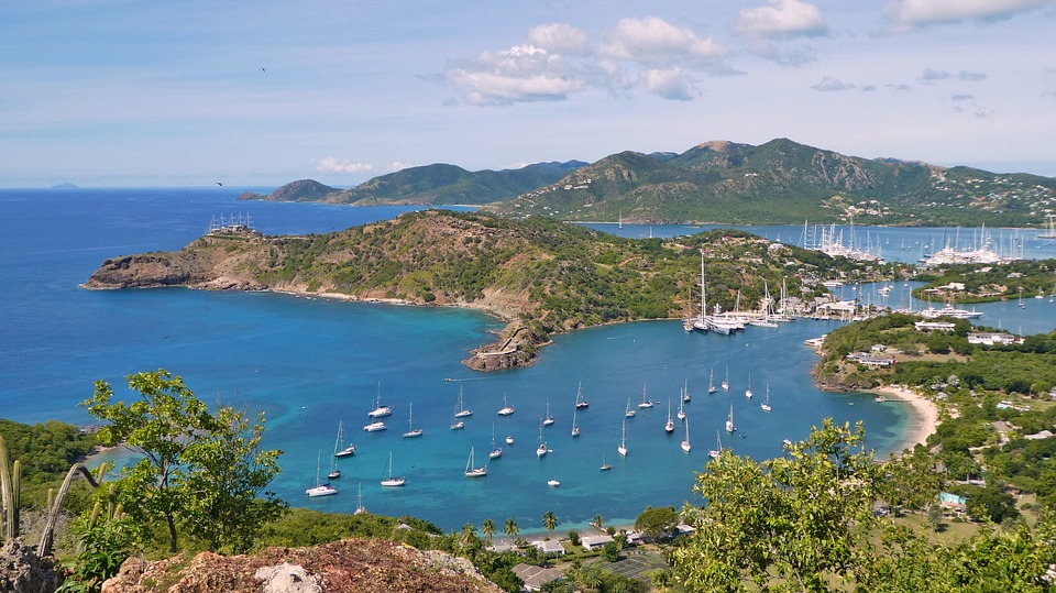 charter a private flight to Antigua